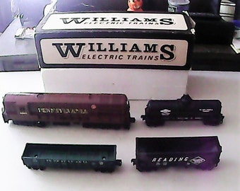 Vintage 1970's, 1980's  Williams Train Set with a 2361 Pennsylvania FM Trainmaster Engine