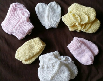 Newborn Baby BOOTIES & MITTEN Set / Babyshower Gift / Newborn Baby Gift / Girl's Baby Booties - 3 pair set