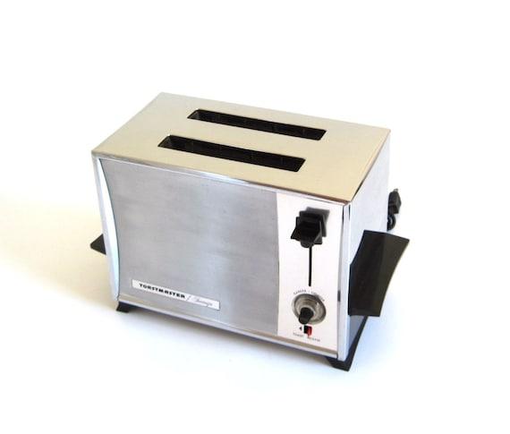 Toastmaster Sovereign Toaster 2 Slice Automatic Pop Up Toaster