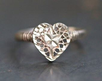 Filigree Heart Ring - Antique Sterling Silver Ring Size 7.5 - Silver Love Lace