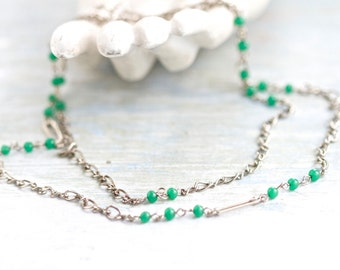Green Flapper girl Long Necklace - Vintage Jewelry