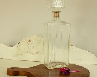 Mid Century Barware - Retro Decanter - Clear Glass Storage Container for Bar