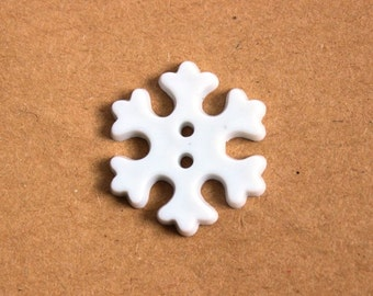 Snowflake buttons, white snowflake butons, Frozen buttons, Christmas novelty buttons, winter buttons, white snow flakes, UK shop