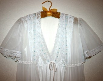 Dreamaway Vintage Peignoir Lingerie, Nightgown and Robe, Double Chiffon