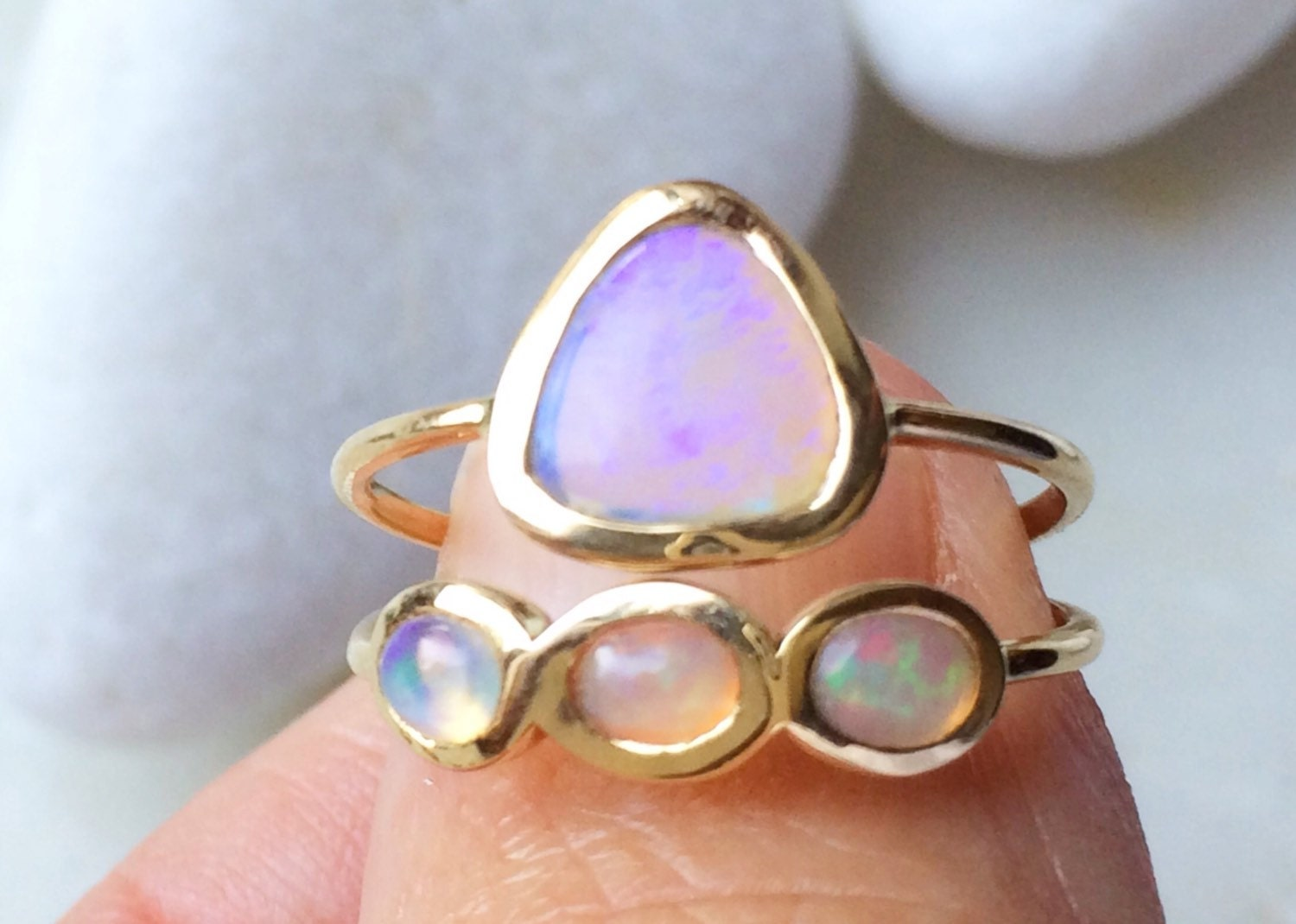 Opal and solid 18k gold wedding ring set