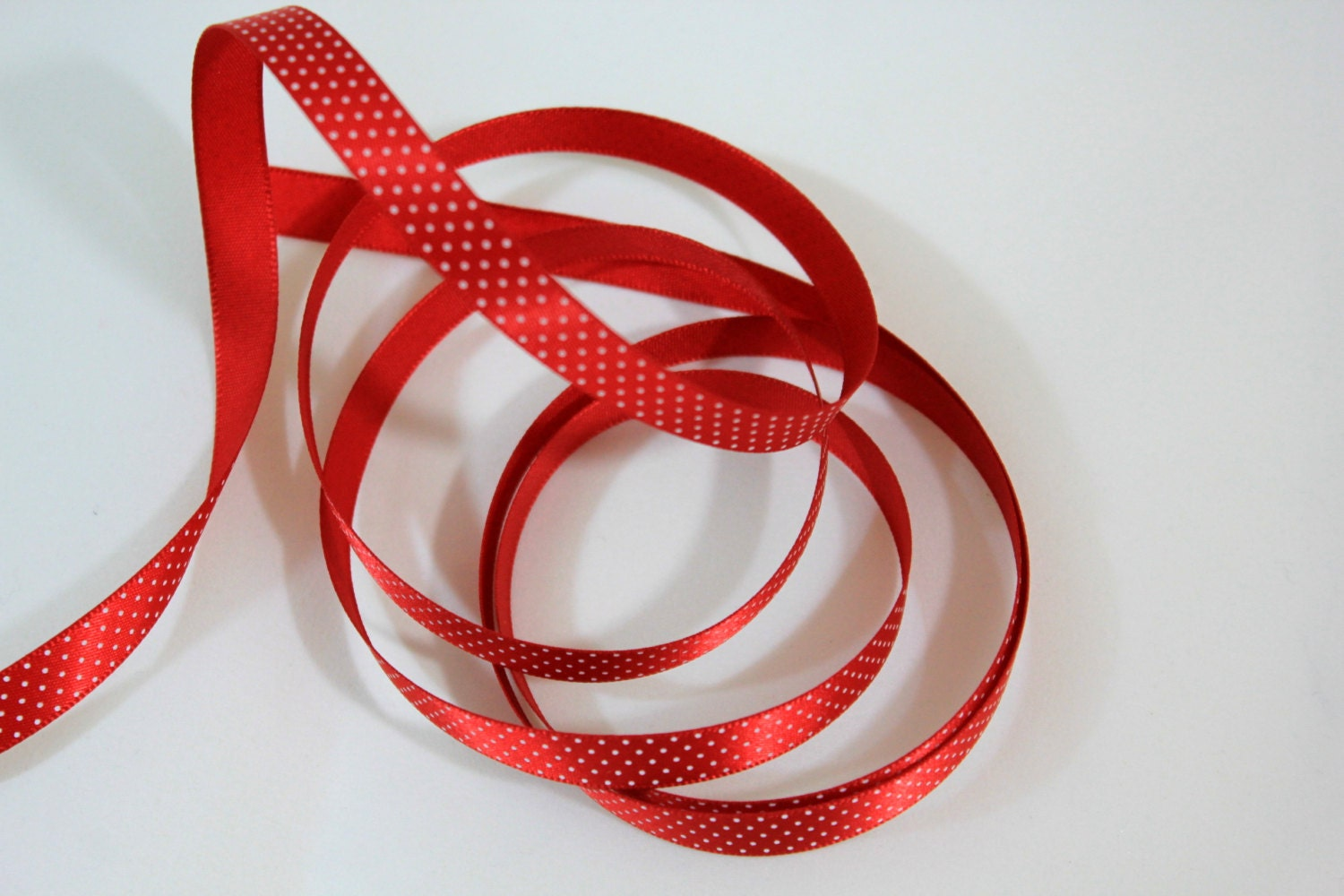 dotted red ribbon and - photo #10