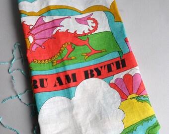 Mod Linen Tea Towel - Cymru am Byth - Helenware Wales