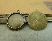 30 pcs 16mm Antique Bronze  Cameo Cabochon Base Setting Tray Blanks Pendants Charm Pendant C4586