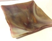 """TWISTED PLATE Amber Gold & Pink 4"""" Decorative Fused Glass Candy Dish"""