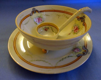 "Vintage Condiment Three piece Set 1940s Marked ""Hand Painted Elite Nippon"", Bottom Plate, three footed bowl & Spoon, pink roses and garlands"