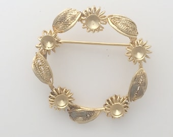 Gold Plated brooch: 2516