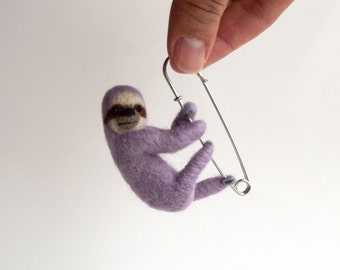Hanging Sloth in Lilac, Hand Felted Animal Brooch,Animal, Pin,Sloth Brooch,Cute Jewelry
