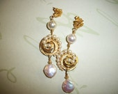 Vintage Upcycled Trifari Pearl Gold Pierced Earring-Redesigned MidCentury Pearl Earring-Vintage Trifari Pearl Assemblage Earring