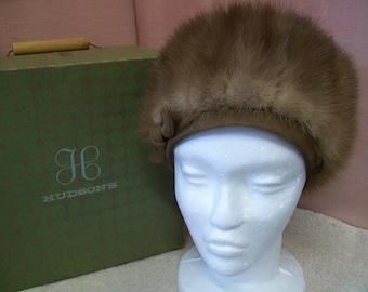 Vintage Ladies Mink Tails Fur Pillbox Hat with Original Hudson's of Chicago Hat Box & Receipt