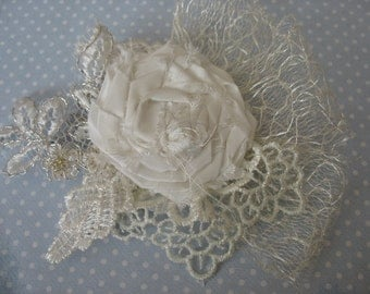 Lace flower wedding headpiece. Bridal hair flower.
