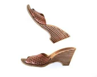 """Size 9 Boho Wood and Leather Stacked Heel Mules Slip on Wedge 3.5"""" High Heel Shoes Women's"""