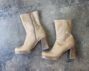 7 B / Nude Leather Ankle BOOTS / 90's Chunky Heel Women's Boots / Vintage Shoes