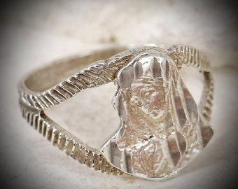 Petite Vintage VIRGIN MARY 925 Catholic Ring- 2.2g sterling- size 7