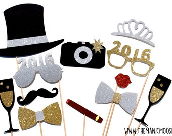 New Years Eve Photo Booth Props - Silver and Gold - YOU CHOOSE YEAR - New Years Party Props - set of 12 - Glitter photo props