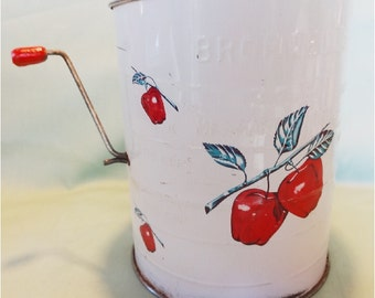 Vintage Shabby Chic flour Sifter with Apples