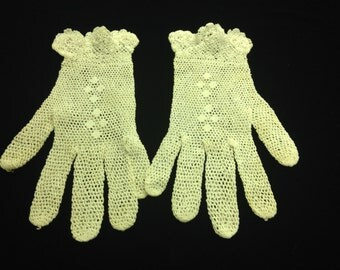 VINTAGE 1950's Children's Ivory Cotton CROCHET CLOVES