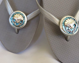 Sea Shell, Flip Flops, Wrap Clips, Flexible Removable Versatile Shoe Clips, Sandal Clips, Scarf Accessory, Boot Strap Accessory