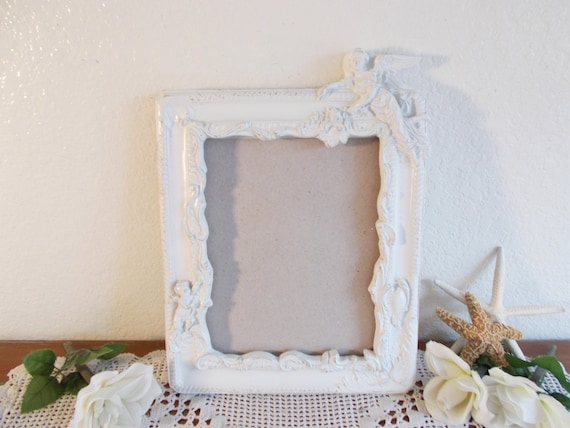 White Shabby Chic Angel Picture Frame Upcycled Vintage Photo Decoration Paris Apartment French Country Farmhouse Romantic Cottage Home Decor