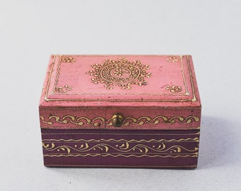 Vintage Trinket Box Jewelry Box Beautiful Hand Made and Painted Good Condition Lovely Gift