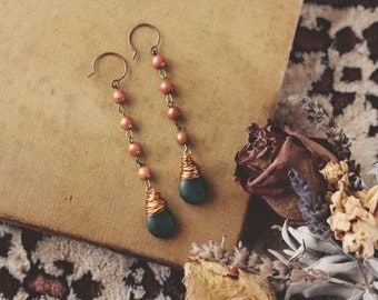 Feminine Earthy Teardrop Dangle Earrings