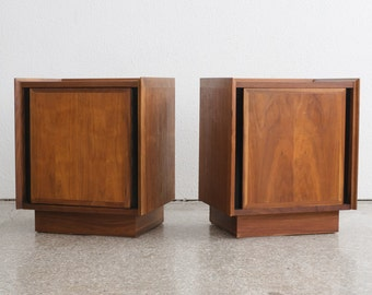 Pair of Mid Century Dillingham Side Tables