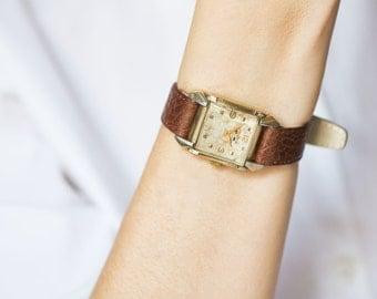 Unisex watch Benrus, 10K gold filled men's watch, unique gent's wristwatch, square wristwatch delicate, premium leather strap new