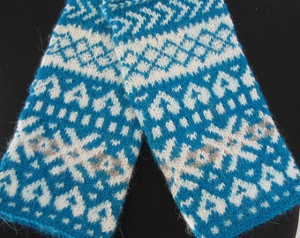Fingerless patterned gloves. Patterned arm warmers. Hand knitted gloves. Blue and white, beige and light yellow, red and white color.