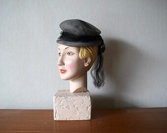 50% SALE . 1940s gray felt hat . vintage 40s hat