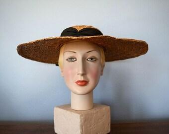 Wide brim straw hat . 1930s 1940s vintage summer hat