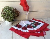 Retro Holiday Cloth Napkin Set - 5 Vintage Christmas Red + Green Table Linens, Christmas Party Linens, Dinner Party Linens, Vintage Holiday