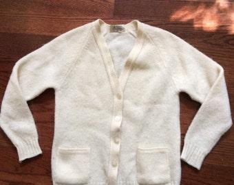 Vintage cardigan, 60s cardigan, xs cardigan, cream sweater, ivory sweater, wool cardigan, xs sweater, small, scotland 1960s 1970s Mr.