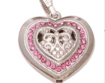 30mm*28mm. 1CT. Silver Toned Heart Charm, Y5