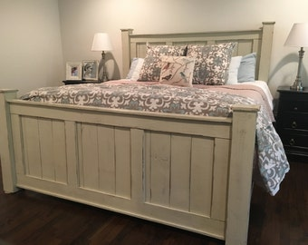 Off White California King size Bed frame/Wood bed frame/bedroom furniture/shabby chic furniture/beach furniture/platform bed/headboard