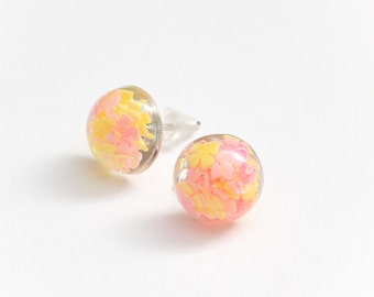 Spring Pastel round stud earrings - pink and yellow earrings, pastel pink jewelry, kawaii jewellery, cute studs, summer, spring, glitter