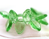 Transparent Green leaves, Czech glass beads, green leaf beads, 12x7mm - 25Pc - 0977