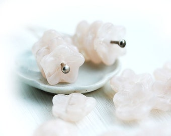 Pale beige pink flowers, peach pink, flower beads, bead caps, Czech glass, pressed - 10mm - 20Pc - 0689
