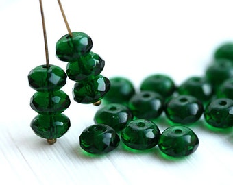 Emerald green beads, czech glass rondels, gemstone cut, green glass beads, fire polished, rondelle - 4x7mm - 25pc - 0628