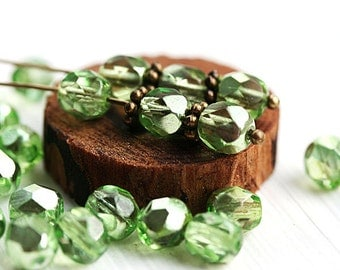 Crystal Green czech glass beads, half coated, Fire polished, green beads, round faceted spacers - 6mm - 30Pc - 0020