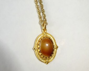 Vintage Tiger Eye Pendant Necklace Tigers Eye Small Oval Gold Tone