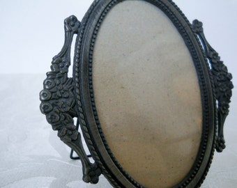 Vintage Oval Gray Metal Table Top Picture Frame