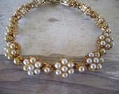 Vintage Pearl Bracelet Fashion Jewelry Floral clusters linked bracelet Faux Pearl 70s