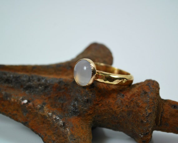Solitaire Rose Quartz and 18K Gold Engagement Ring - Anniversary Ring - Simple Engagement Ring