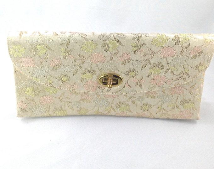 Classic Vintage Brocade Purse, Cream and Gold Design Floral Fabric. 1940s French Handbags, vintage floral handbag. Pegi Paris. Clutch