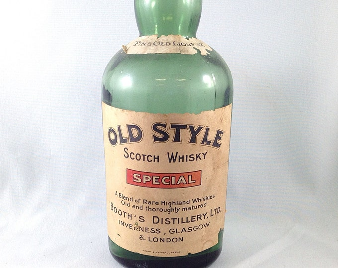 Vintage Booths Green Scotch Whiskey bottle, Green Whiskey Bottle. Old Style Scotch Whiskey Booths Distillery Ltd. Old Bar Decor. Saloon.