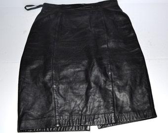 VINTAGE 80's High waist black LambNappa  leather  pencil secretary Rocker Chick skirt size 8 Made by Evan Davies Spring Summer fashion